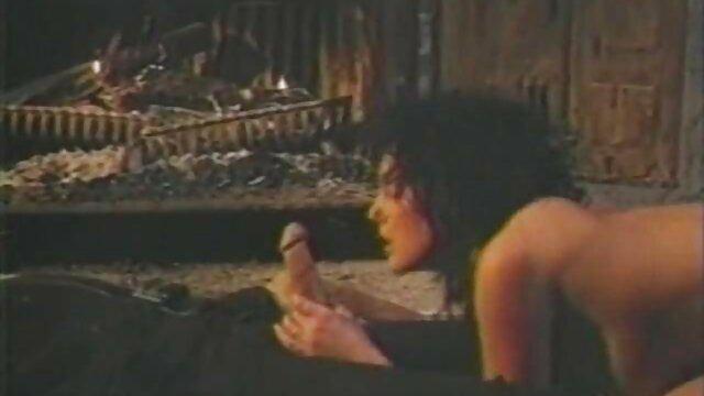 Kasi porno film per adulti Starr in un numero di DP, interrazziale buona